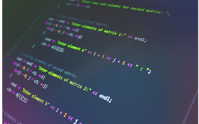 テキストプログラミング言語のビジュアルプログラミング言語との比較